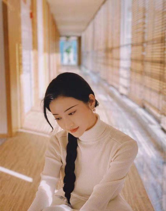 景甜、劉亦菲氣質女星愛留復古『柳葉眉』,仙氣少女必備眉款